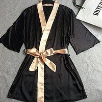 Women Silk Satin Short Night Robe Solid Kimono Robe Fashion Bath Robe Sexy Bathrobe Peignoir Femme Wedding Bride Bridesmaid Robe