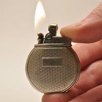 RESERVED for FraeuleinClaudia ONLY        Working Rare 1930s Art Deco Rhodium Plated Ronson Rondette Round Pocket Lighter