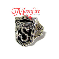 WIZARDING WORLD Slytherin House Crest Ring