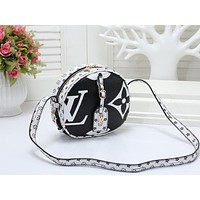 """LV"" Louis Vuitton women's printed round cake fashion casual trend slanting shoulder bag Black"