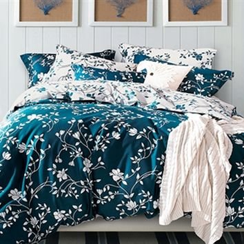 Moxie Vines - Teal and White - Twin XL Comforter