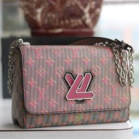 Kuyou Gb29824 Louis Vuitton Lv M50325 Monogram Lv Pop Leather Denim Handbags Cross Body Bags Twist Mm 3-d Effec 23x18x8cm