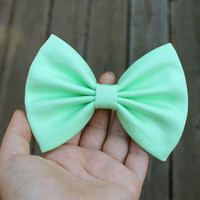 """4.6"""" light neon green hair bow, light lime green hair bow, green fabric hair bow, big hair bow, solid color green bow, green hairbows"""