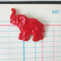 Vintage redelephant pin / brooch trunk up