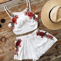 New fashion embroidery rose two-piece suit