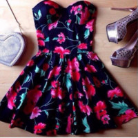 HOT STRAPLESS FLOWER DRESS