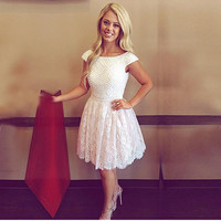 2016 Custom Made White Pearls Short Party Dress Open Back Lace Homecoming Dress Cap Sleeve High School Graduation Gown For Teens