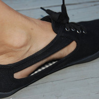 Vintage 80s 90s Chinese Laundry On Your Feet Black Cutout Lace Up Canvas Keds Style Sneakers Size 7.5