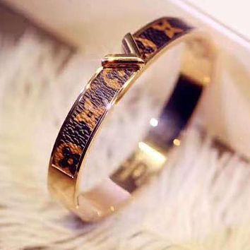 LV Louis Vuitton Stylish Women Men Retro Monogram Leather Couple Bracelet Accessories Jewelry