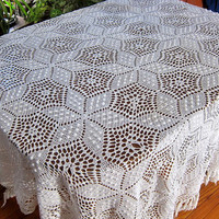 Vintage white floral tablecloth / crocheted tablecloth with fringe
