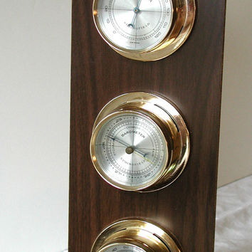 Springfield Barometer / Thermometer Vintage Wooden Wall Hanging Plaque