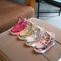 2018 European cartoon cute baby first walkers LED glitter classic girls boys sneakers toddlers Lovely boots lighted shoes