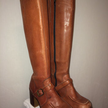 VINTAGE 1970s Platform Boots Brown Leather Zip Up Size seven and a half M Made in Brazil You Studio 54 Sexy Thing Tan Charlies Angels Style