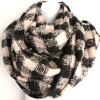 Chunky Infinity Scarf, Checkered Scarves, Fall Scarves, Fashion Accessories, Cozy Loop Scarf, Checkered Infinity Scarf, Blanket Style Scarf