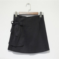 Black Pleated Hip Skirt with Zipper