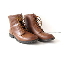 Vintage brown ankle boots. Vegan booties. Zip up granny boots. size 7
