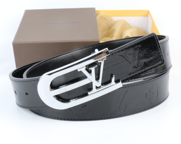 Image of Perfect Louis Vuitton LV Woman Fashion Smooth Buckle Belt Leather Belt
