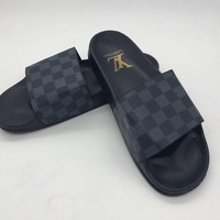 ABKUYOU Louis Vuitton Slippers