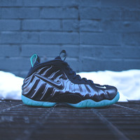 NIKE Air Foamposite Pro - Dark Obsidian / Light Aqua