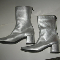 Vintage Mod hipster Metallic Silver Leather zipper Ankle Go-Go Boots 7 1/2 m