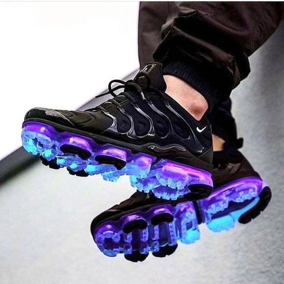 Image of Nike Air Max Vapormax Plus TN air cushion running shoes fashion men's and women's casual sports shoes blue gradient