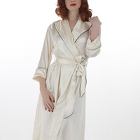 What Katie Did   Hollywood Satin Robe