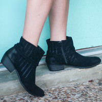 Close Out | Flat Rope Bootie | Black | Shoes