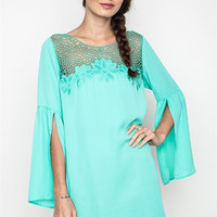 Slit Bell Sleeve Dress With Lace Detail - Emerald