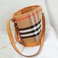 BURBERRY Fashion Women Shopping Bag Leather Plaid Shoulder Bag Satchel Bucket Bag