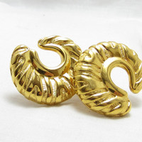 large gold tone clip earrings/ large earrings/ statement earrings/ gold tone earrings/ striped earrings/ gold tone earrings/ estate