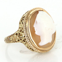 Vintage 14 Karat yellow Gold Shell Cameo Cocktail Filigree Ring Fine Jewelry