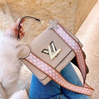 Louis Vuitton LV Twist MM Shoulder bag