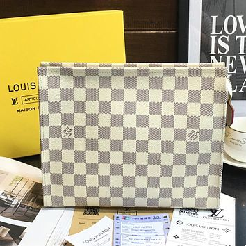 LV Louis Vuitton Trending Cosmetic Bag Handbag Men's Business Bag Louis Vuitton Classic Clutch Bag