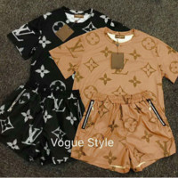 LV Louis Vuitton Fashion Women Retro Top Shorts Set Two-Piece Sportswear