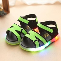 2017 cute lovely LED light kids baby glowing shoes for kids glowing children girls boys shoes casual Cool kids shoes sandals