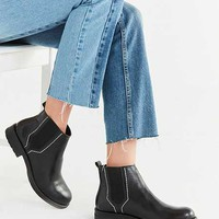Boots + Booties for Women | Urban Outfitters