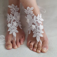 bridal accessories, white,lace,   wedding sandals,  shoes,   free shipping!   Anklet,   bridal sandals,  bridesmaids,  wedding  gifts.......