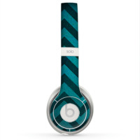 The Teal Grunge Chevron Pattern Skin for the Beats by Dre Solo 2 Headphones