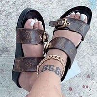 LV Louis Vuitton Hot Sale Casual Home Ladies Beach Sandals Trendy Parallel Bar Leather Slippers Sandals Shoes