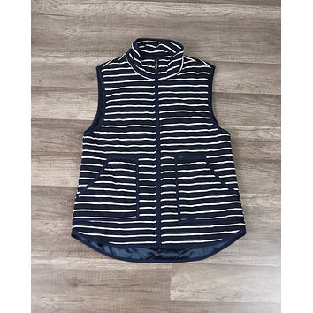 Lightweight Stripe Quilted Puffer Vest in Navy