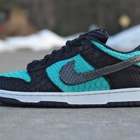 "Nike SB Dunk Low Sneaker ""Python Diamond""  304292-402"