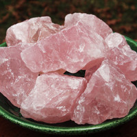 ROSE Quartz Crystal - Raw Uncut Small Stone - Love, Heart and Emotional Healing