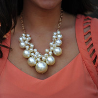 Bundle Of Pearls Necklace: Gold | Hope's