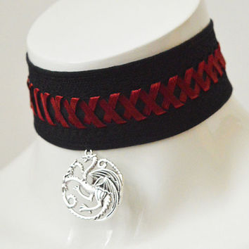 Gothic choker - Dragon queen - black and red geek choker with pendant and lacing - daenerys targaryen game of thrones inspired necklace