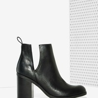 Lipstik Shoes Nerro Cutout Boot