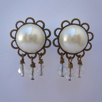 "Plugs / Gauges Faux Pearl Crystal Dangles. 4g / 5mm, 2g / 6mm, 0g / 8mm, 00g / 10mm, 1/2"" / 12.5mm, 9/16"" / 14mm, 5/8"" / 16mm by Gauge Queen"