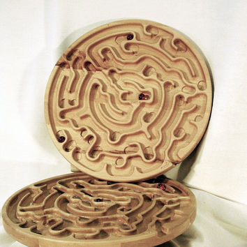 Toy puzzle game wood maze 13 inch Diam. Large Marble Labyrinth/Maze Game
