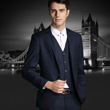In the autumn of 2015 male big business dress codes in the long dress middle-aged three suit suit is small