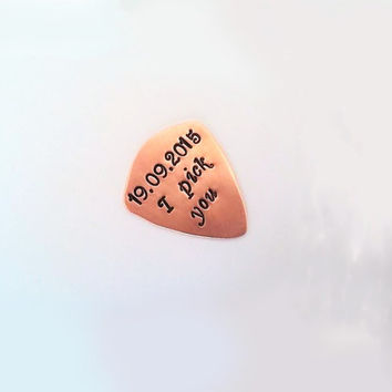Date guitar pick personalized anniversary date I pick you custom guitar pic handstamped plektrum men gift for him Fathers Day gift boyfriend