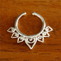 Fake Septum Ring - Faux Septum Ring - Fake Septum Piercing - Nose Jewelry - Septum Jewelry - Silver Septum For Non Pierced Nose